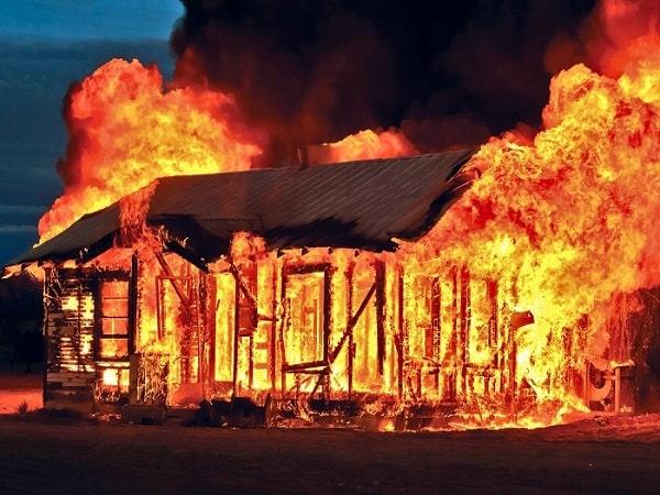 Giải mã giấc mơ cháy nhà là điềm lành hay điềm dữ